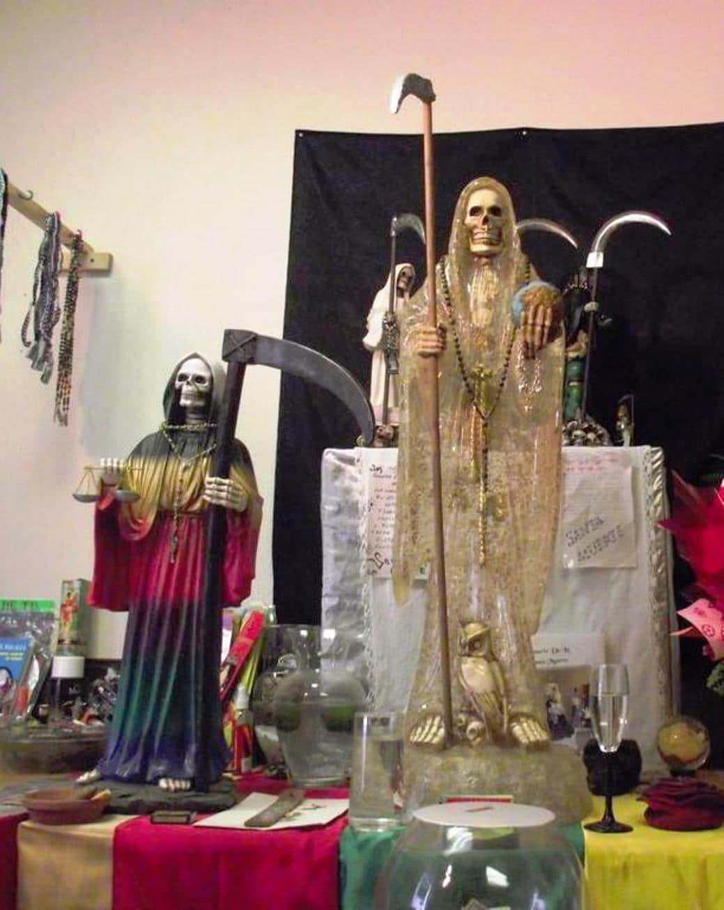 la-santa-muerte-es-milagrosa-3